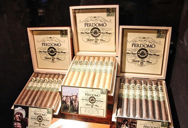 Perdomo Factory Tour Blend Box