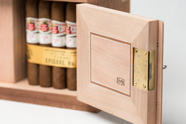 James-Fox-135-Anniversary-Humidor-3