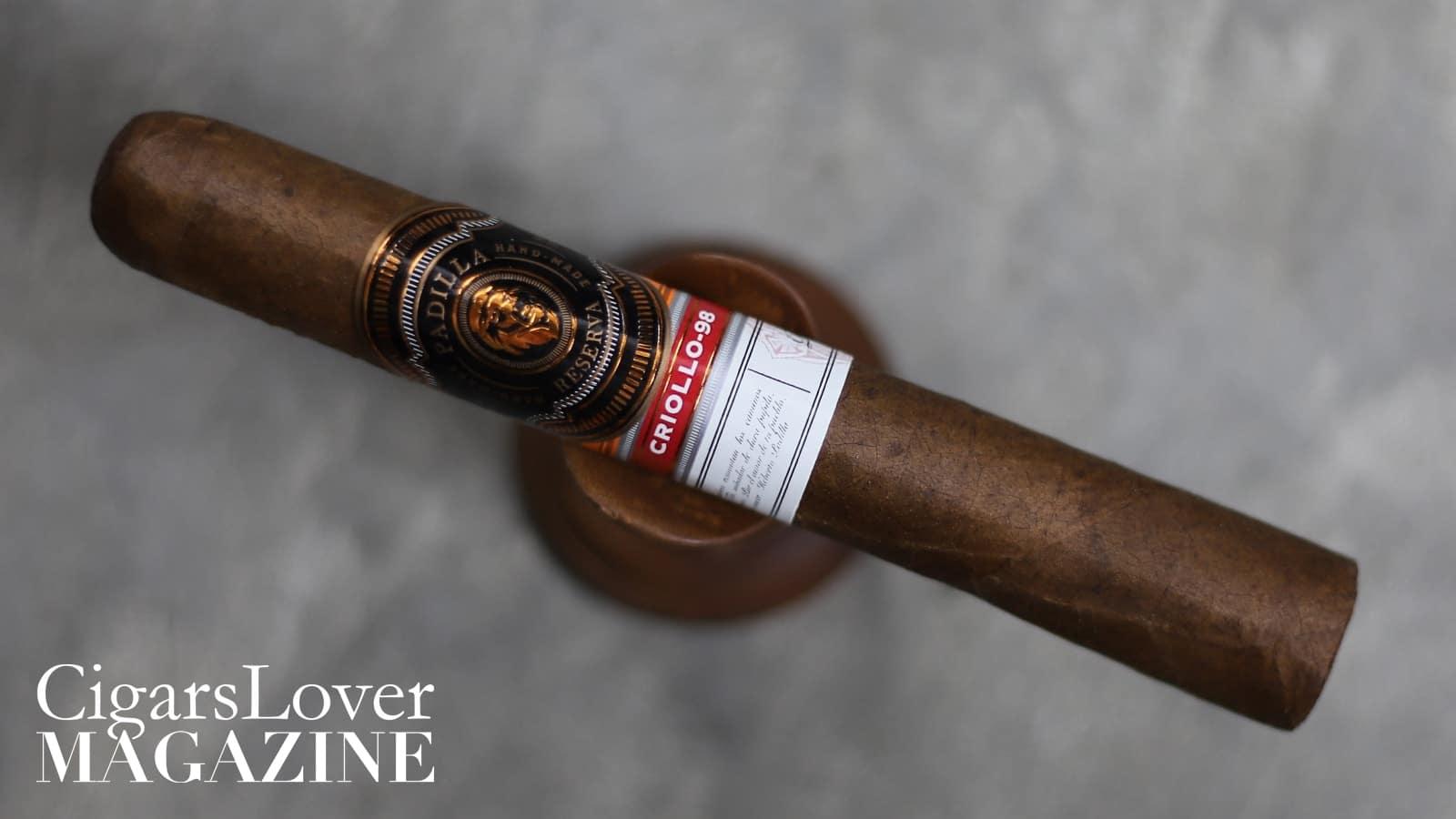 Sembra un sigaro particolarmente fresco. La paletta aromatica è limitata e poco delineata. Risulta però discretamente equilibrato. Fumato fino all'inizio del PT.