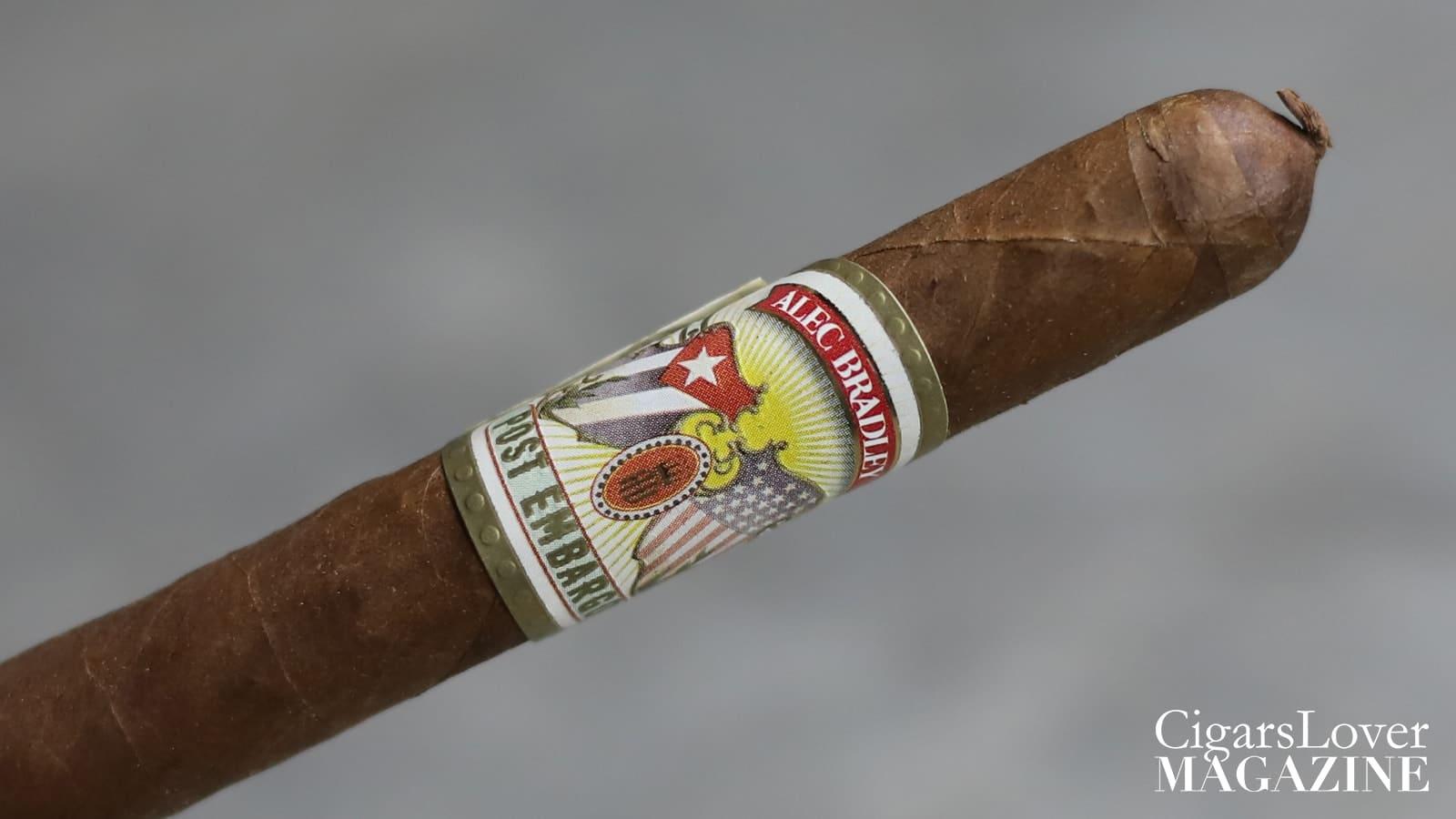 Fumata intensa ma dotata di poca evoluzione e di una paletta aromatica contenuta.